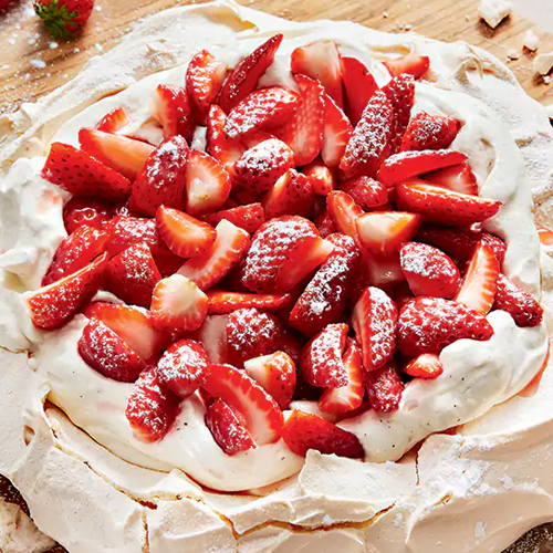 The Perfect Strawberry Pavlova